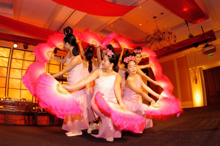 Harvard Asian-American Dance Company performed for an incentive trip in Kiawah, South Carolina.